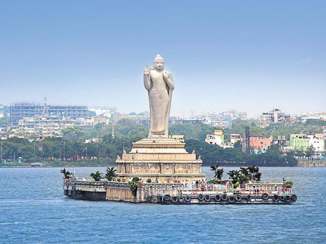 Hussain Sagar Lake –Laser Show Timings, History, Images, Timings